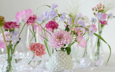 Vappukattauksessa saa olla raikas ja värikäs tunnelma – katso kukkavinkit