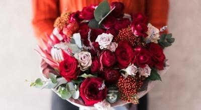 Kukkatoimitus kotiovelle