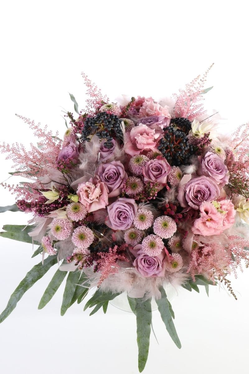 Hattaramainen kukkakimppu