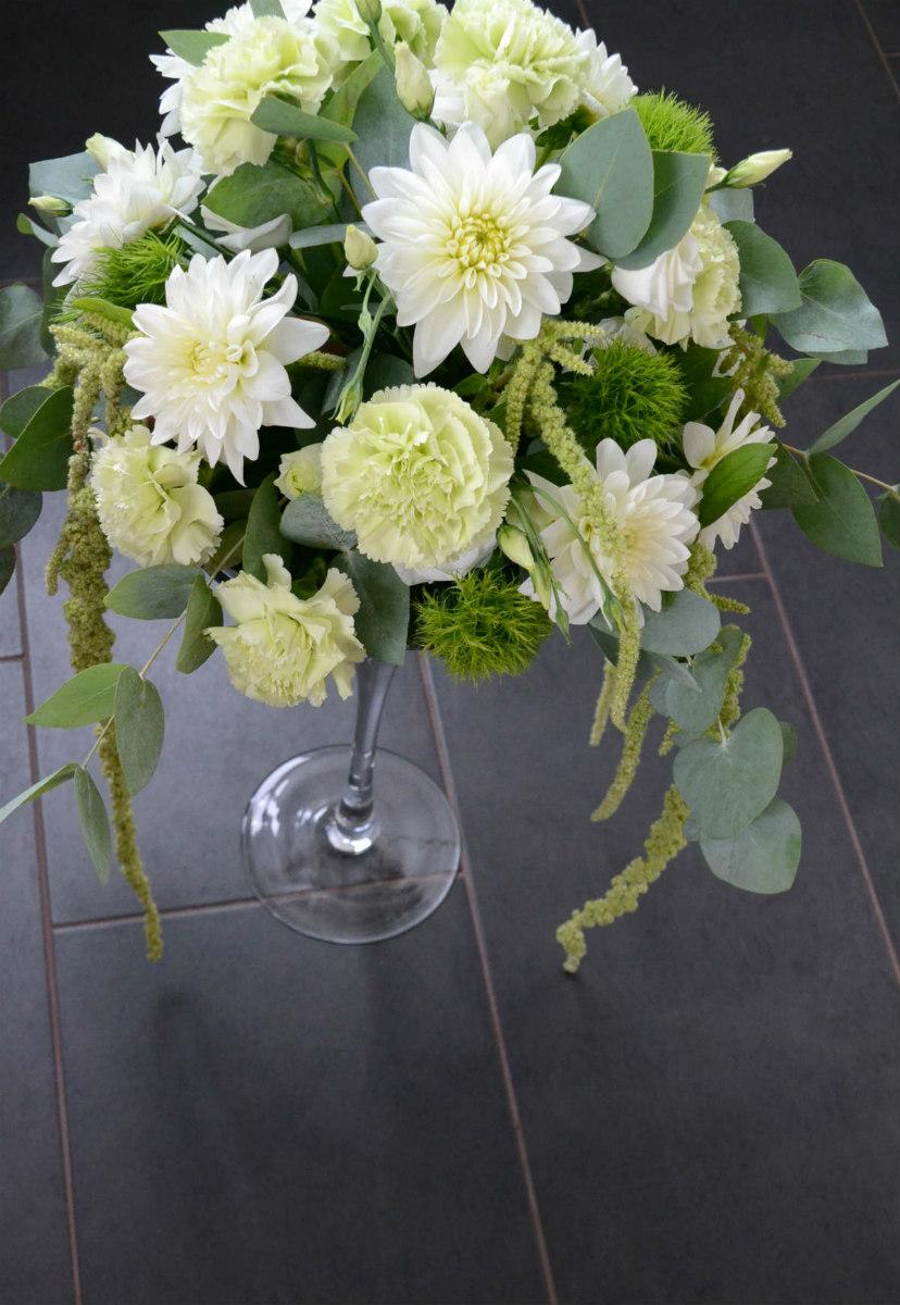 noutopöydän kukka